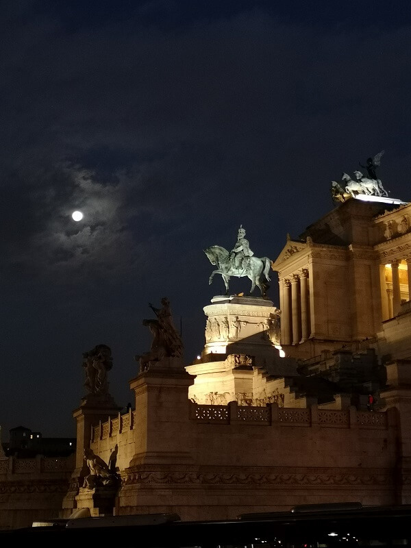 Things to do in Rome at night: 18 ideas! - Mama Loves Rome